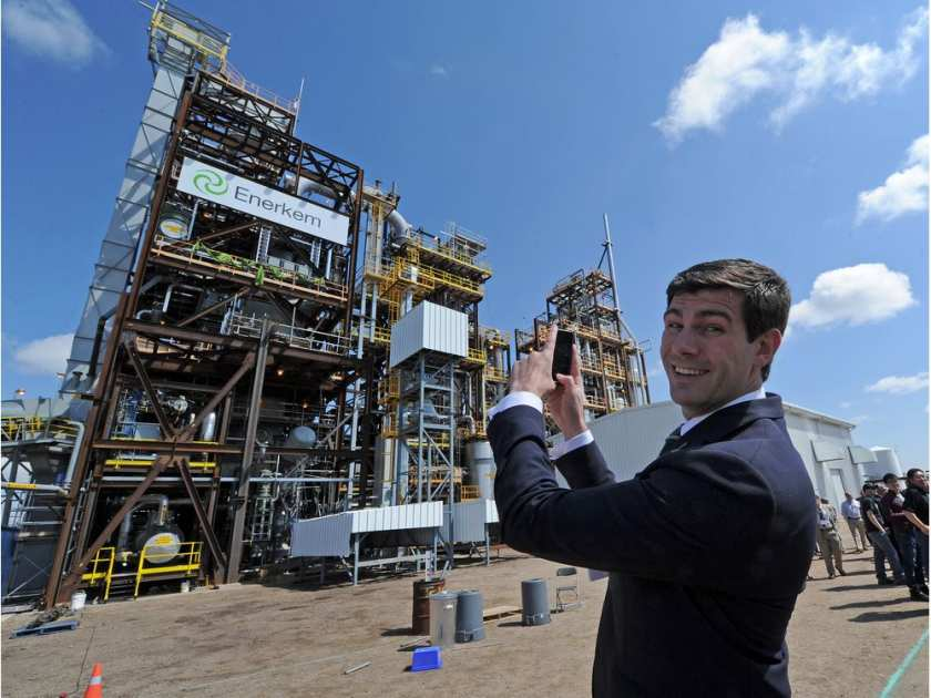 Mayor Don Iveson takes a cellphone picture of the new Enerkem waste-to-biofuels facility during the opening ceremonies in 2014.