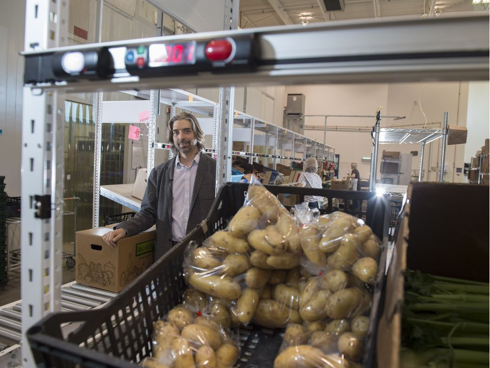 edmonton 39 s organic box plans to grow food delivery service. Black Bedroom Furniture Sets. Home Design Ideas
